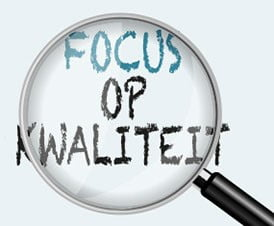 """Loep waarmee je naar de zinsnede """"Focus op kwaliteit"""" kijkt"""